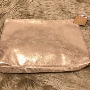 NWT ECCOLO Deluxe Rose Gold Pouch! (A205)
